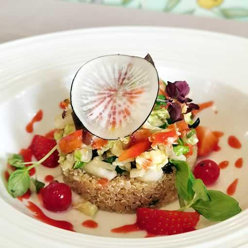 Bouillon Racine, Salade de quinoa bio, fruits rouges et légumes croquants